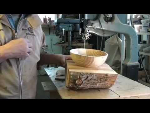 TURNING A (WET) WOOD BOWL ON THE LATHE:  PART 1, (OUTSIDE OF BOWL)