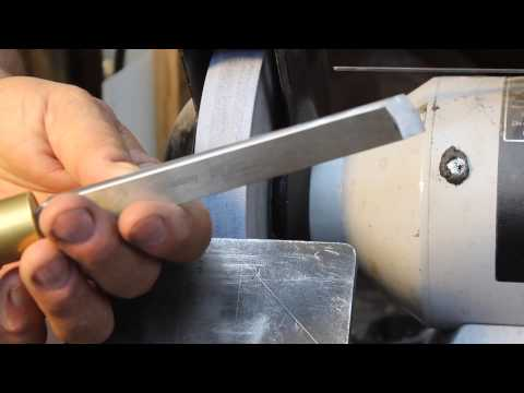 Sharpening a Skew Chisel Freehand:   woodturning